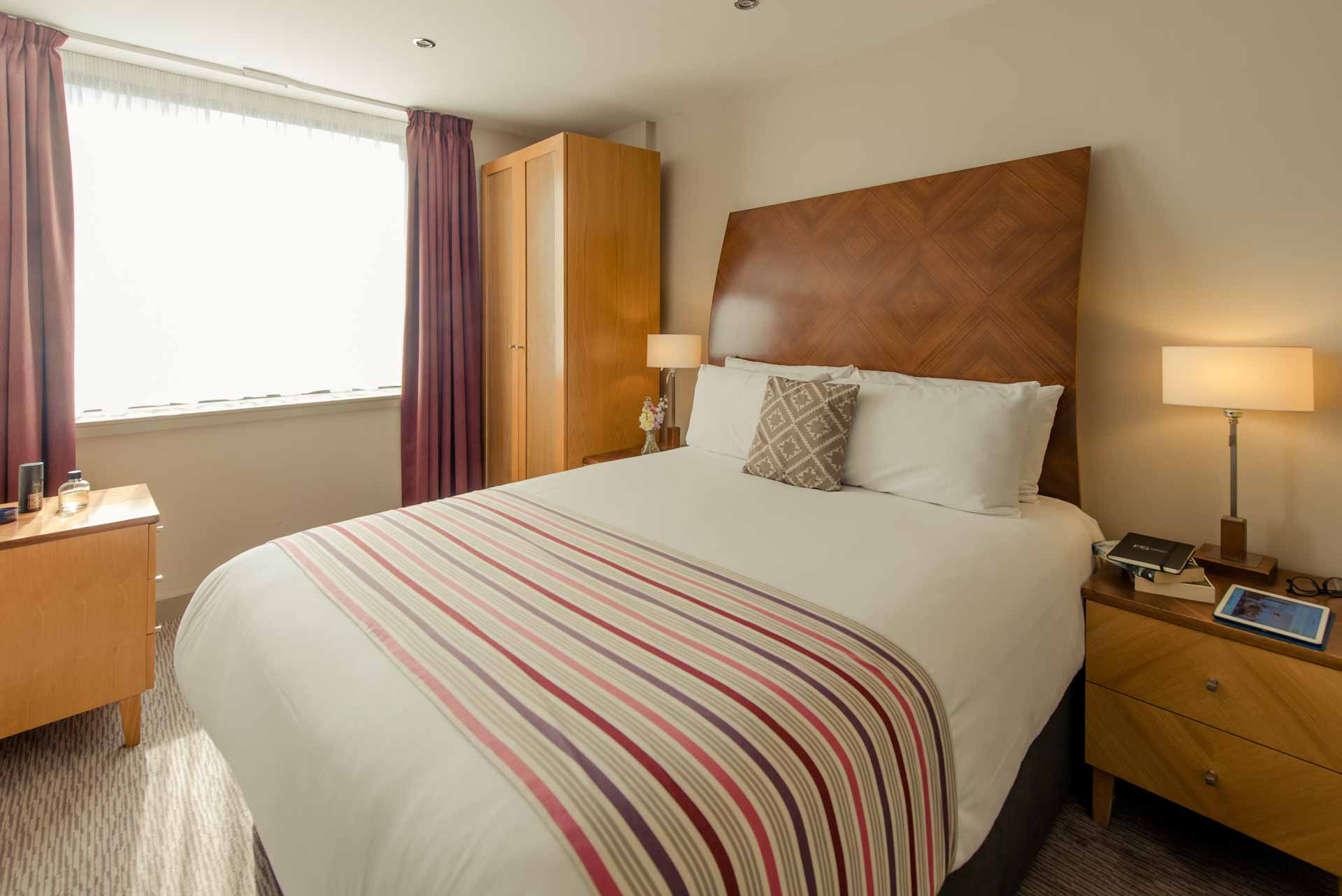 PREMIER SUITES Manchester two bedroom apartment